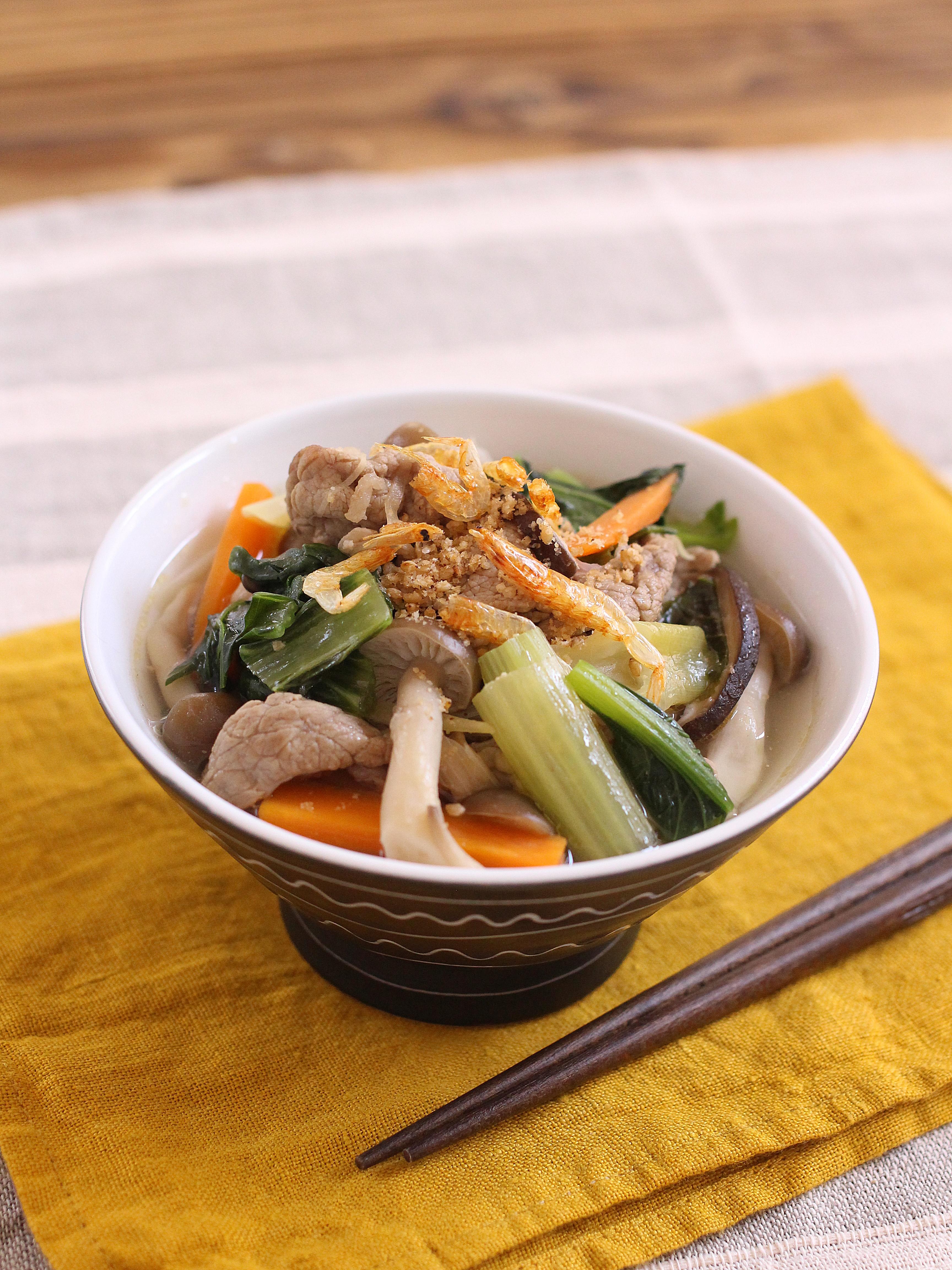 【掲載:公立学校共済組合】骨を強く。一汁一菜椀ボウル「牛肉とキクラゲの中華スープ」&週末